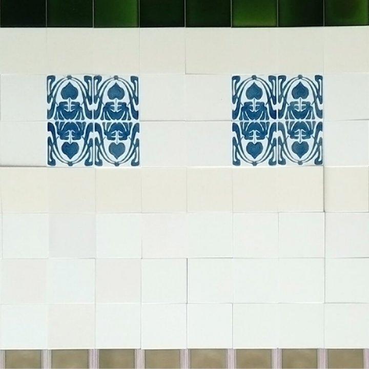 Wandfliesenspiegel, Patch-Art gestaltet von Sabine Heller WSH 149 (4,3m²)