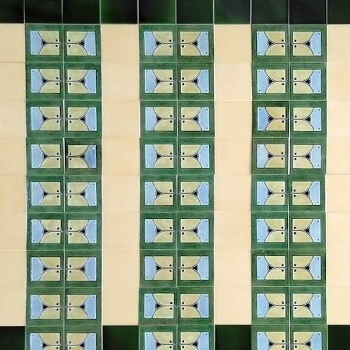 Wandfliesenspiegel, Patch-Art gestaltet von Sabine Heller WSH 107 (4,9m²)