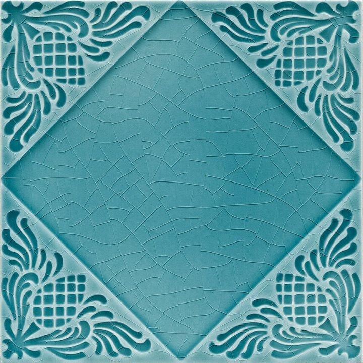 Dekorfliesen in Farbe grünblau, Sonderglasur mit Craquele.  EPW 55 (2,59 m²) reserviert