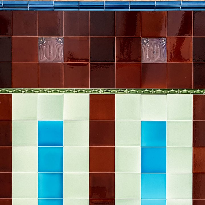 Wandfliesenspiegel, Patch-Art gestaltet von Sabine Heller WSH 137  (4,45 m²)
