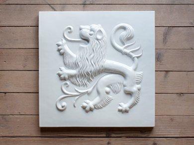 Löwenplatte glasiert Löwenplatte glasiert